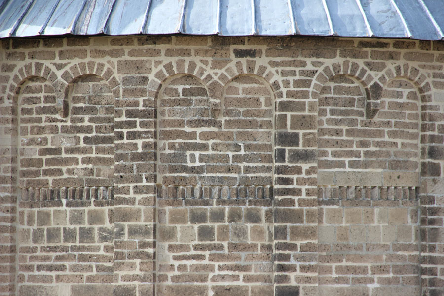Tuffstein - Dorfkirche Hviding