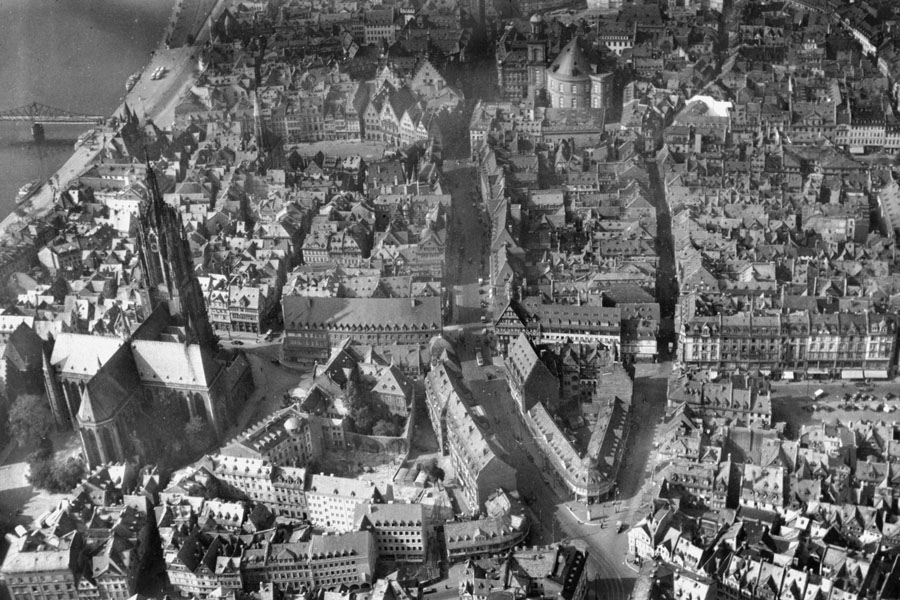 Frankfurt am Main - Luftbild der Altstadt 1942