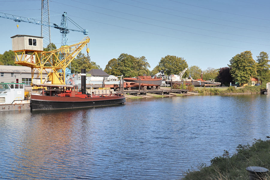 Schiffshebewerk Henrichenburg - Werft und Hafen