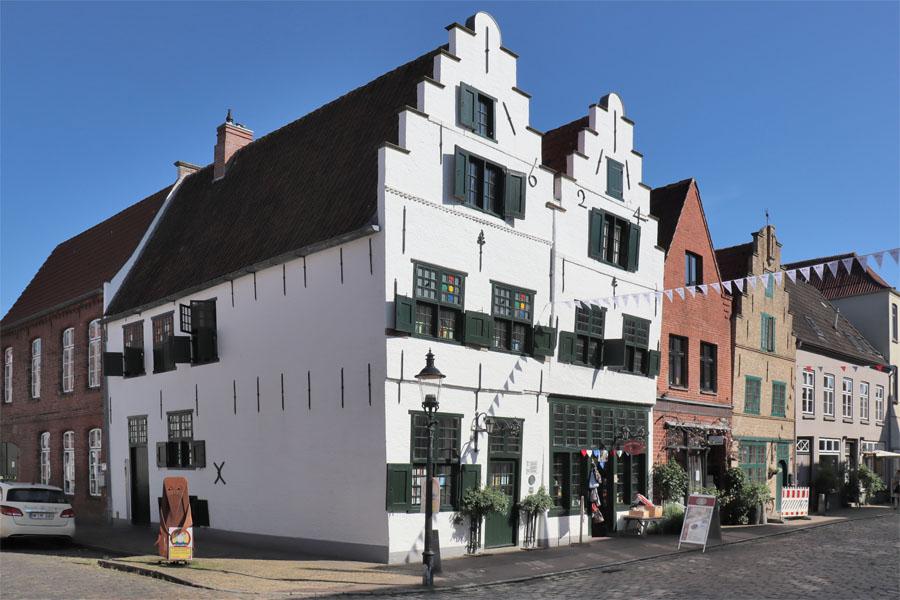 Friedrichstadt - Prinzenstraße mit Doppelgiebelhaus