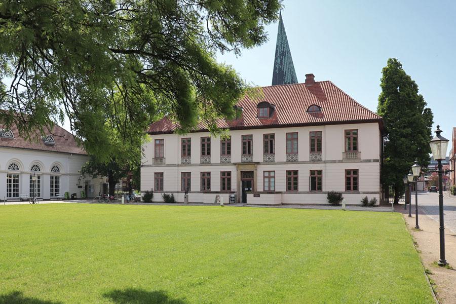 Eutin - Schlossvorplatz